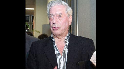 Vargas Llosa seguirá apoyando el Lugar de la Memoria a título personal