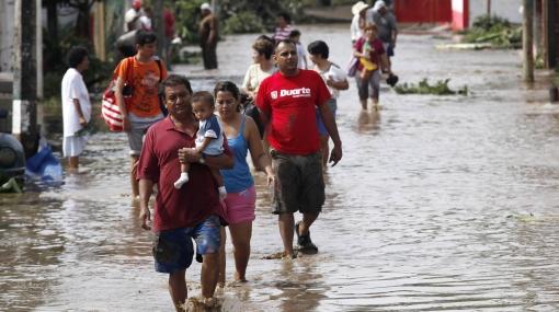 FOTOS: ya son cinco los muertos por el paso del Huracán Karl en México
