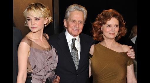 """Pese al cáncer, Michael Douglas se mostró muy vital en el estreno de """"Wall Street 2"""""""
