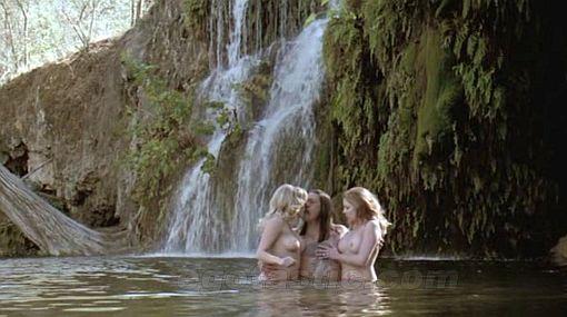 """Desnudos en """"Machete"""": Jessica Alba es ayudada por el photoshop y Lindsay Lohan aparece al natural"""