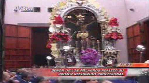 Imagen del Señor de los Milagros hizo su primer recorrido procesional