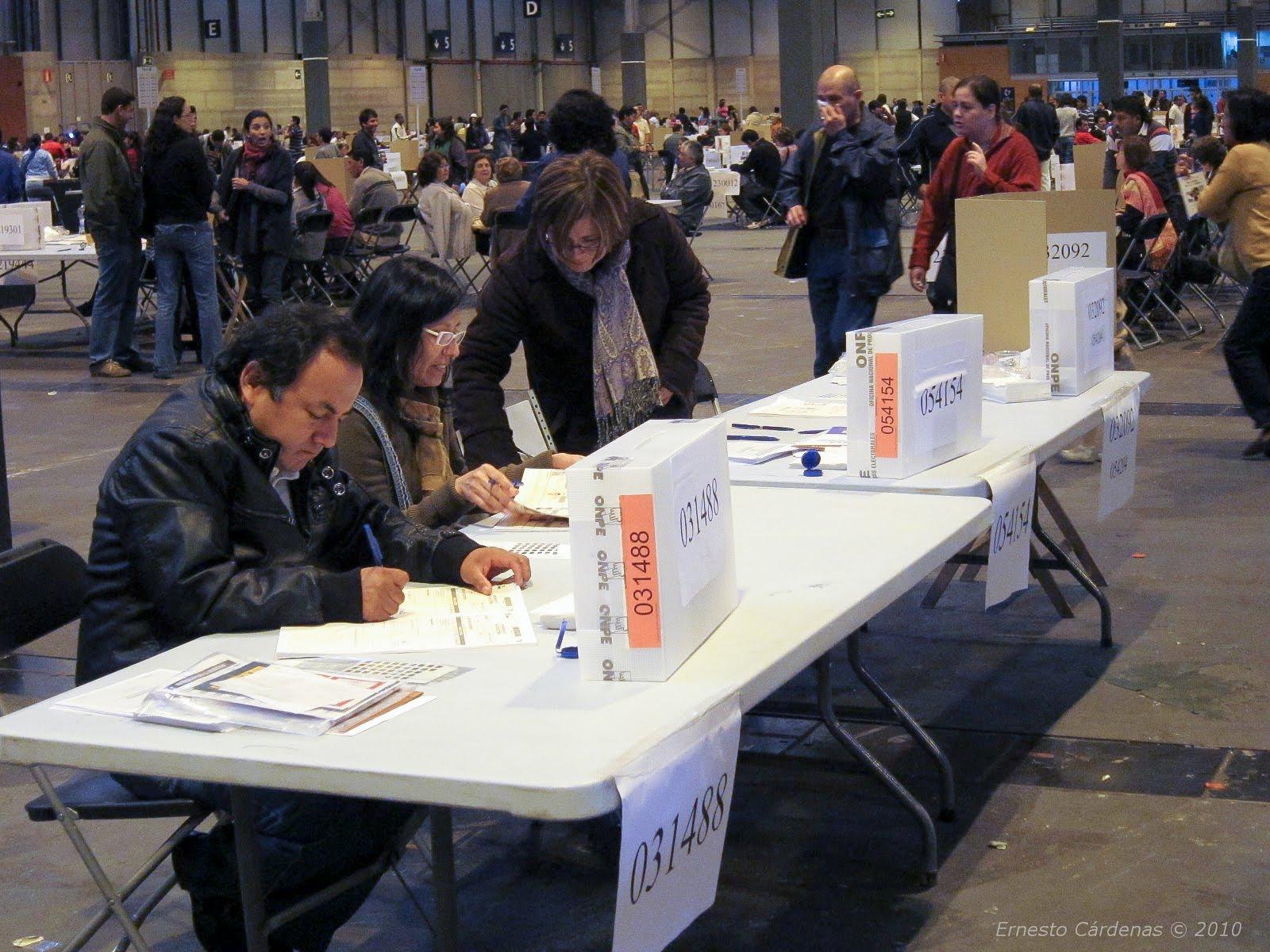Compatriotas votaron por el referéndum en Madrid
