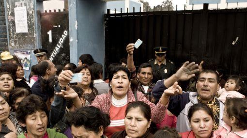 Más de 50 personas se quedaron sin votar en colegio de San Juan de Lurigancho
