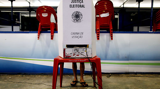 El voto electrónico permitió contar más de 100 millones de sufragios en tres horas en Brasil