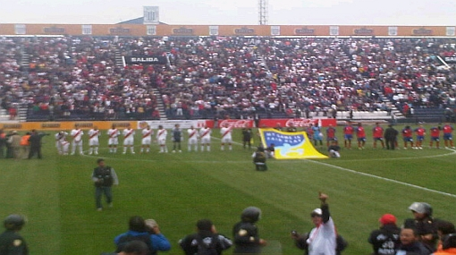 Tuiteros muestran fotos del partido Perú - Costa Rica