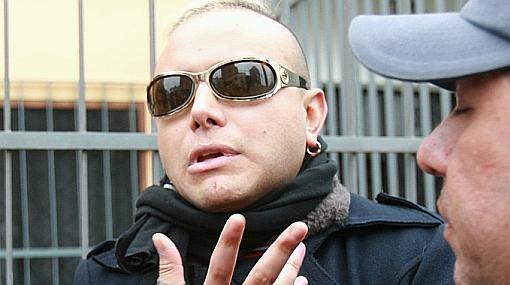 Carlos Cacho recibió orden de comparecencia y logró salir en libertad