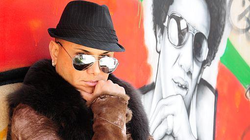 Víctima de Carlos Cacho exige que el maquillador pague los más de 6 mil soles que el SOAT no cubre