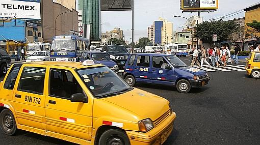 Municipalidad de Lima no fiscaliza el sistema de taxis: el 32% de las unidades son informales