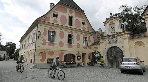 Un paseo relajante en Austria: viaje en bicicleta y haga pausas para tomar un buen vino