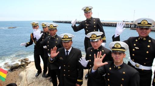 La Marina boliviana puso primera piedra de próxima sede de su escuela naval en Ilo