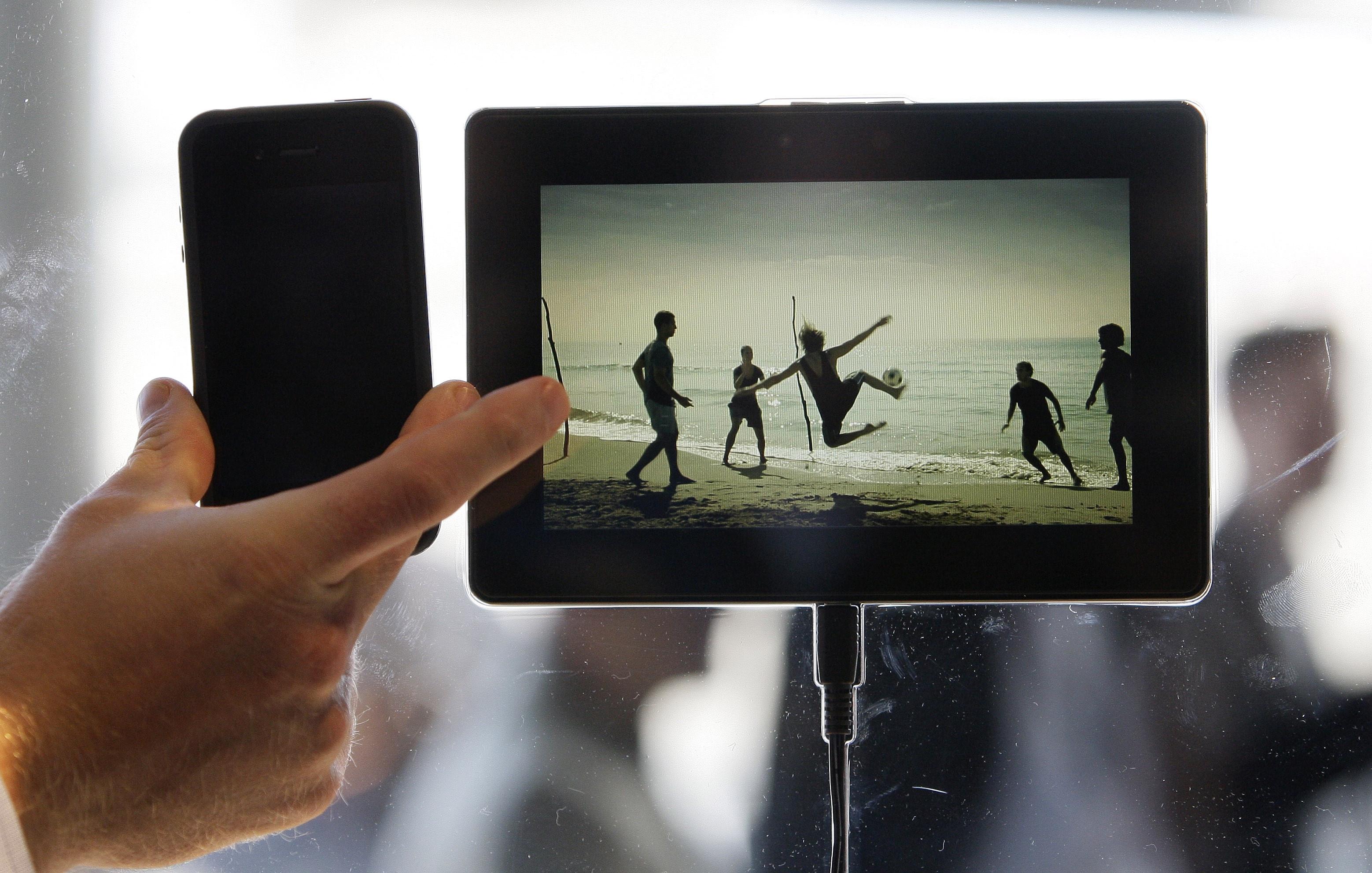 La 'tablet' de BlackBerry PlayBook saldrá a la venta en el 2011 y costará menos que el iPad