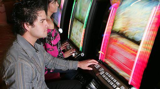 Contaminación en casinos y tragamonedas cuadruplica la de la avenida Abancay en hora punta