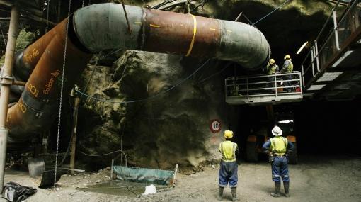 Explosión en mina de Nueva Zelanda dejó atrapados a 27 trabajadores