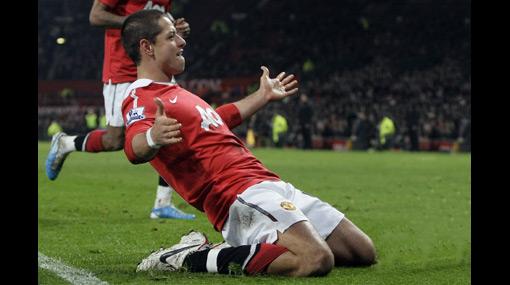 'Chicharito' Hernández llevó a la cima al Manchester United