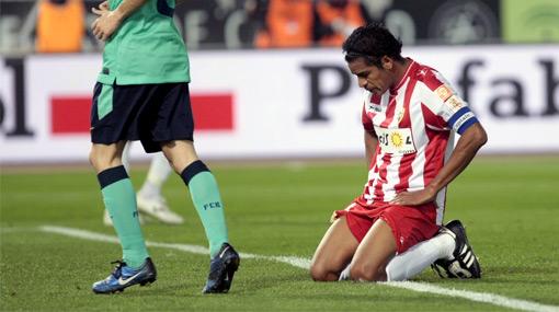 Acasiete se quedó sin técnico después de la humillante derrota del Almería