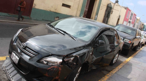 'Pompo' Cordero chocó su auto contra un taxi en Trujillo