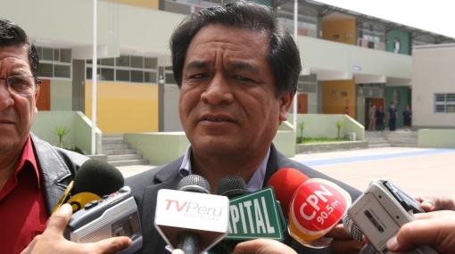 Chang cuestionó promesas de candidatos presidenciales para aumentar sueldos a maestros