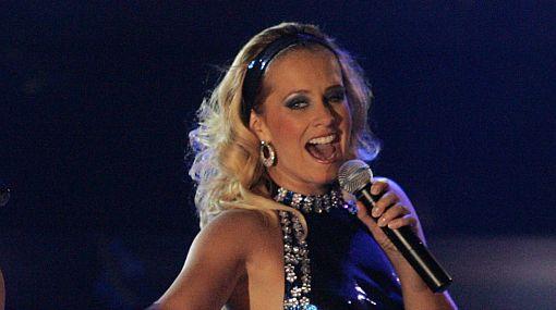 Está en todas: Rossana Fernández-Maldonado debutó como cantante