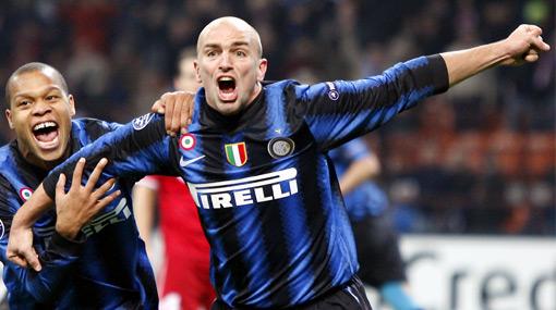 El Bremen extrañó a Pizarro y cayó goleado mientras el Inter aprovechó para clasificar