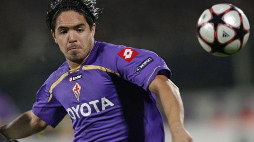 ¿La hora del adiós? Fiorentina dispuesta a vender a Juan Vargas