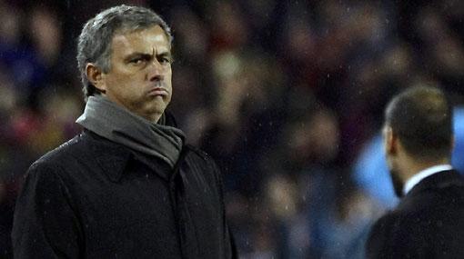 Otro 'palo' para el Real Madrid: Mourinho fue castigado con una fecha de suspensión