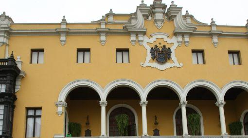 """Procurador edil sospecha que Castañeda recibe """"una manito"""" en Ministerio Público"""