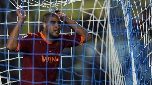 Técnico de la Roma le abre la puerta a Adriano: Si no es feliz, puede irse