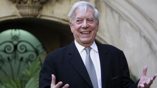 Vargas Llosa confiesa cómo espera el premio Nobel en Estocolmo