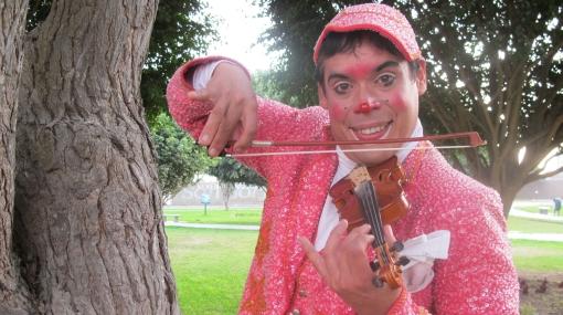 """""""Pitillo"""", el personaje detrás del payaso violinista"""