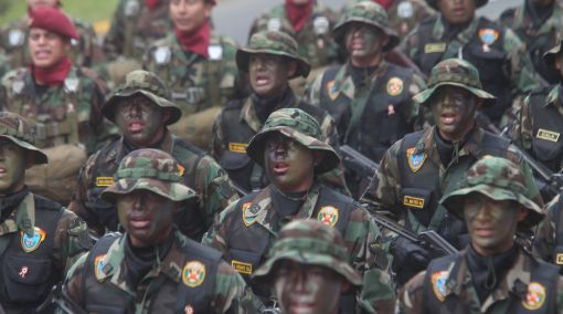 Militares en retiro alientan formación de partido político