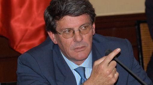 Rafael Rey responderá ante Fiscalización por contrato de FF.AA. con israelíes
