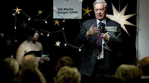 """Mario Vargas Llosa a los niños: """"Lean un buen libro"""""""