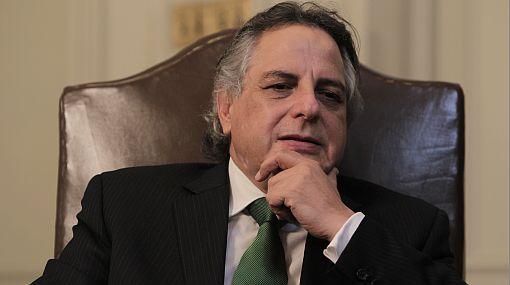 Manuel Rodríguez Cuadros renunció a embajada para postular a la Presidencia