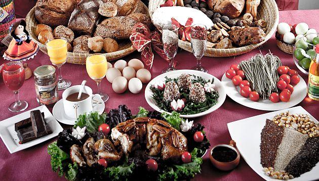 Consejos para la cena navideña: coma temprano y evite mezclar grasas, dulces y harinas