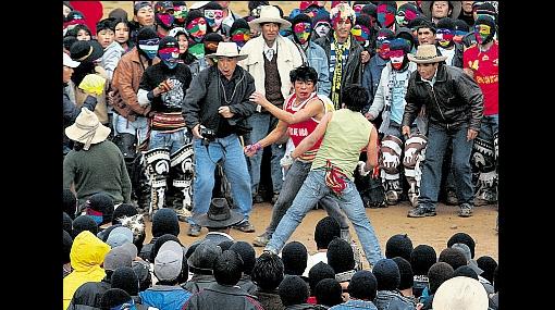 FOTOS: la fiesta de Chumbivilcas donde se limpian las deshonras a puñetes y patadas