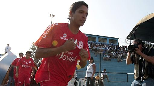 Manco vuelve al ruedo: Aurich lo inscribió para jugar la Copa Movistar