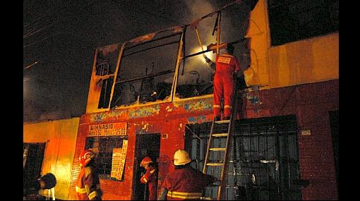 Casi 90 incendios se registraron en Lima y Callao durante celebraciones de Año Nuevo