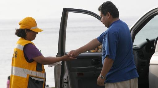 No se deje sorprender: solo siete municipios en Lima pueden cobrar parqueo en sus playas