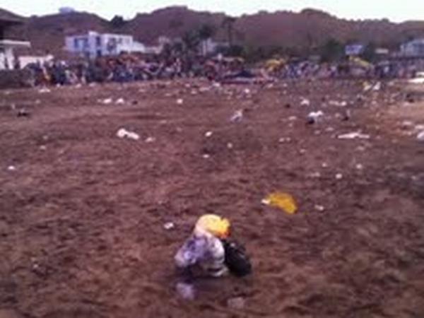 Veraneantes dejaron la playa Naplo hecha un basural