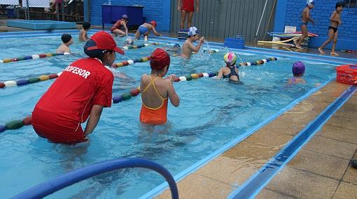 Aumenta el contagio de conjuntivitis en playas y piscinas