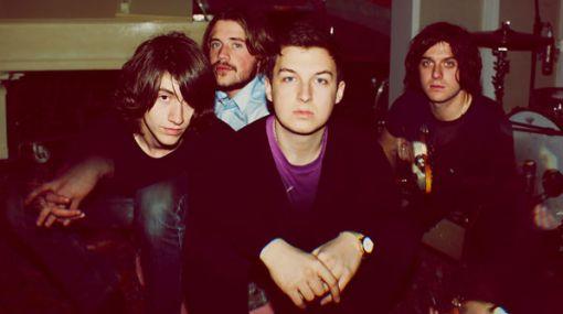 Arctic Monkeys prepara su nuevo disco en Los Ángeles