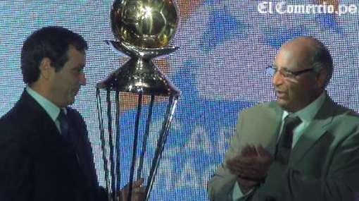 San Martín y Vitti, los ganadores en premios Copa Cable Mágico 2010