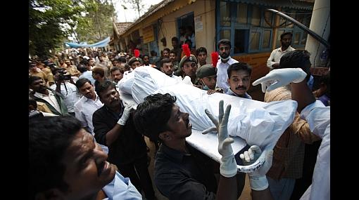 Tragedia en la India: 102 muertos dejó estampida en popular festival hindú