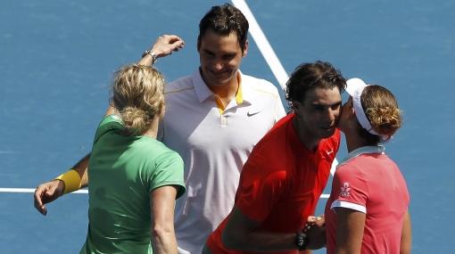 Rafael Nadal-Roger Federer cayeron ante un dobles femenino