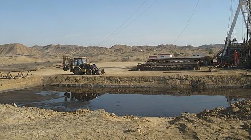 Pobladores de Lobitos sufren los estragos del petróleo en sus aguas
