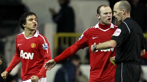 Manchester sigue líder en la Premier tras 'sobrevivir' ante Tottenham