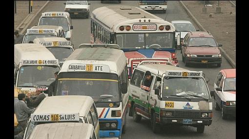Tres mil vehículos piratas serán retirados de las pistas de Lima