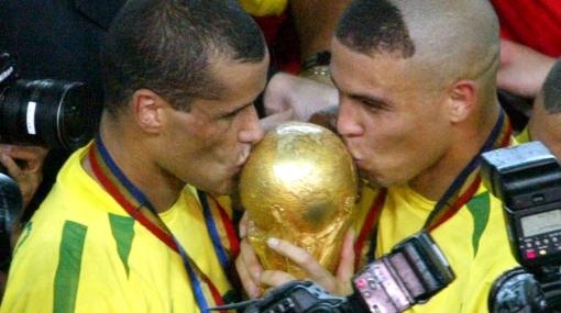 Se suma a la lista: Rivaldo jugará a préstamo en Sao Paulo