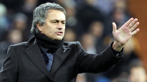 """Federación española evalúa sanción contra Mourinho por """"agresiones"""""""