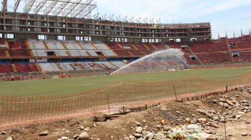 No más sintético: el Estadio Nacional ya luce césped natural